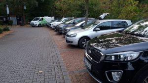 Parkplatz mit vielen Autos der SVD Mitglieder